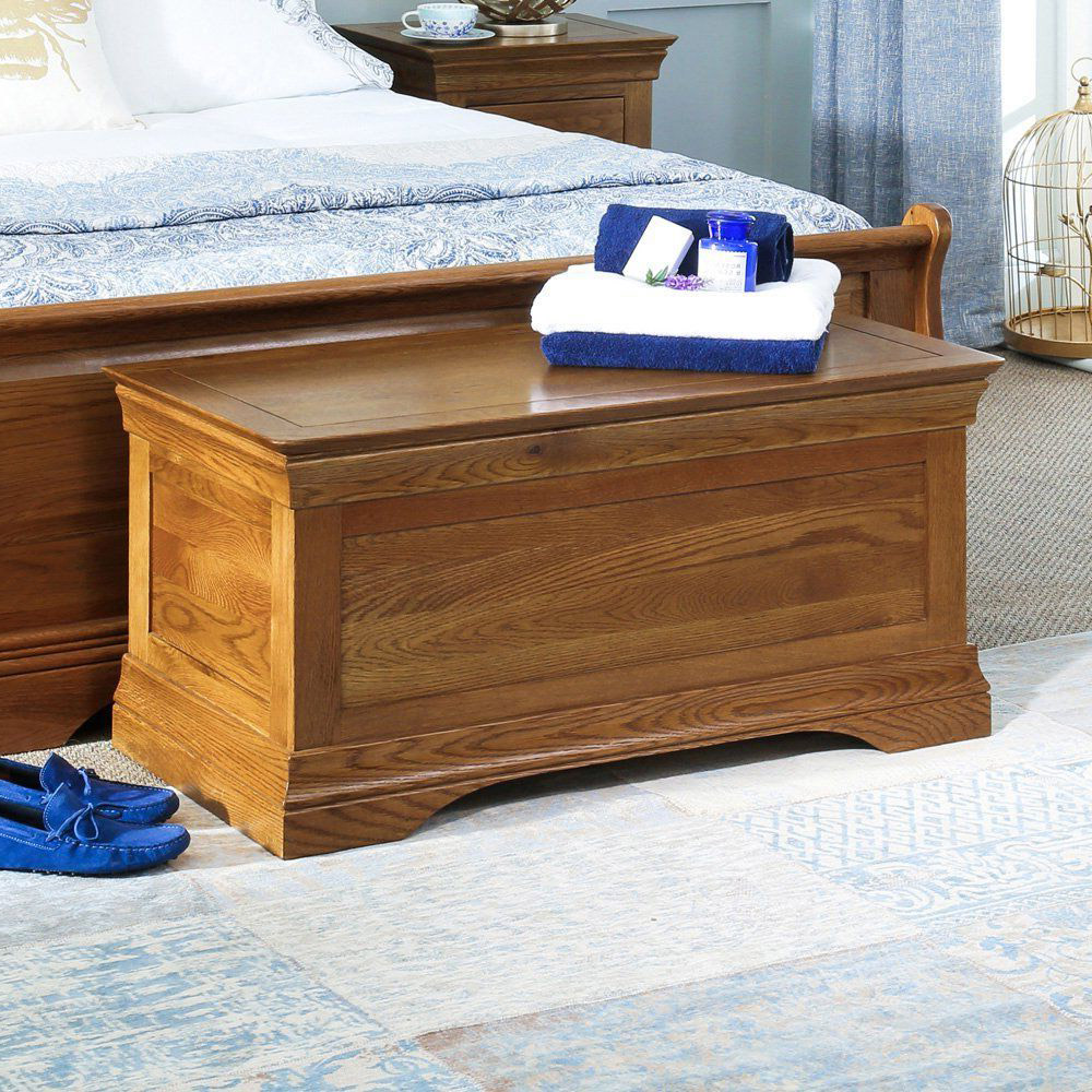 Ottomans and Bedding Blanket Boxes