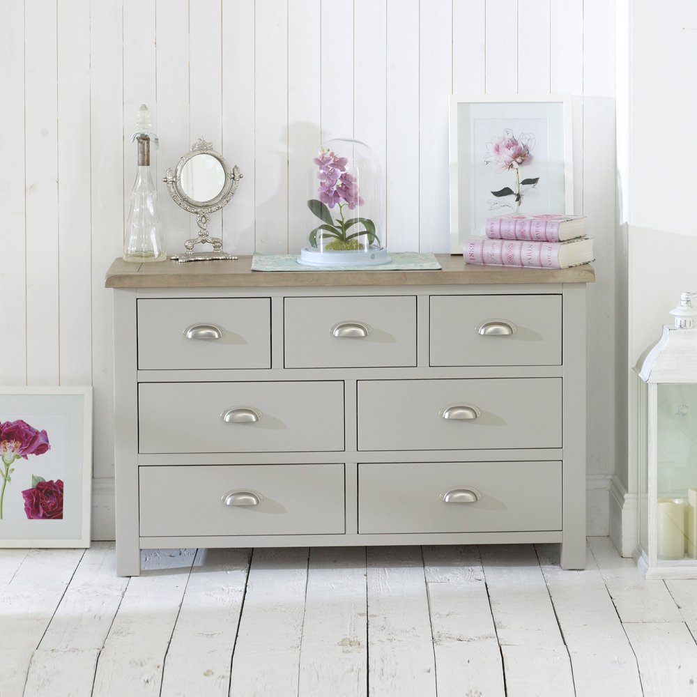 Chester Grey. Cotswold Cream Painted Furniture