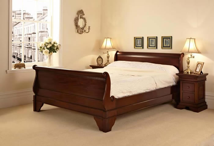 Mahogany Sleigh Bed With Storage